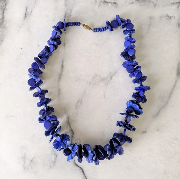 Vintage Jewelry - vintage 80's carved wood beaded necklace